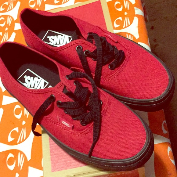 c8aaded364385c Authentic jester red (black sole) Vans